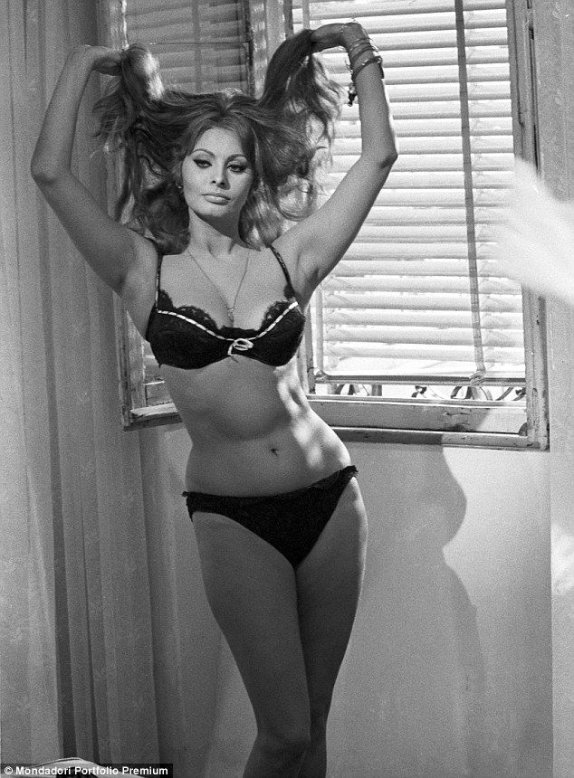 This image has an empty alt attribute; its file name is SophiaLoren.jpg